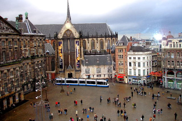Praça Dam e o Palácio Real em Amsterdã