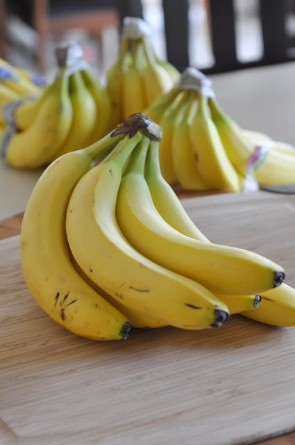 Fresh-Bananas-tasteasyougo.com