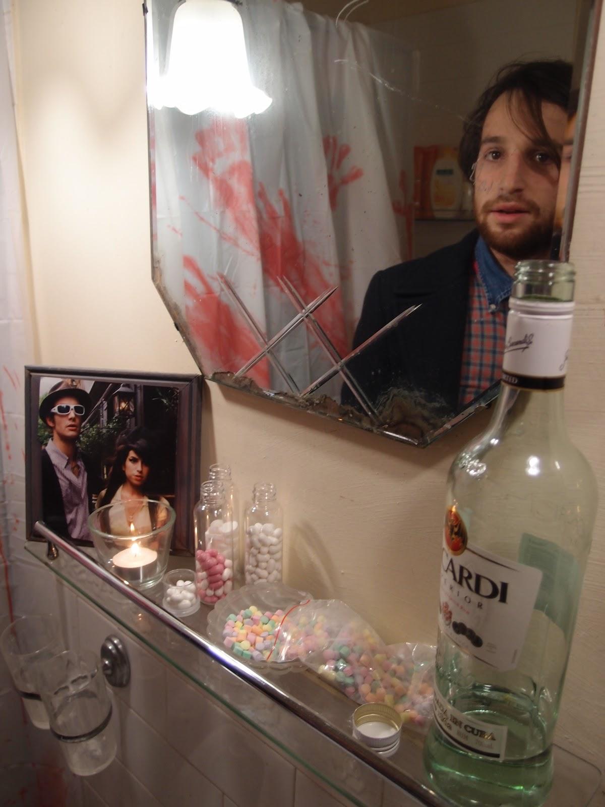 George Michael Bathroom: No Organza, No Garters, Just Great