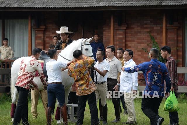 Ditanya Penunggang Demo 4 November, Jokowi: Nanti Kita Lihat : Detikberita.co Terupdate Hari Ini