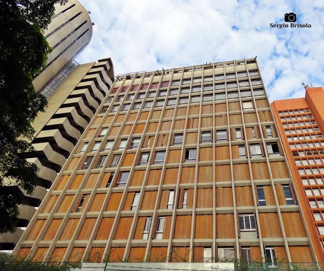 Perspectiva inferior da fachada do Edifício Antônio Augusto Corrêa Galvão - Jardim Paulista - São Paulo