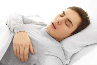Jangan Lakukan 5 Perkara Ini Selepas Makan, tidur selepas makan, punca stroke,