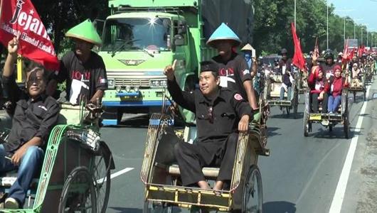 Ratusan Tukang Becak di Kendal Konvoi Dukung Jokowi-Maruf Amin