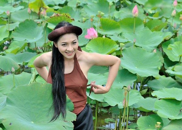 Làng girl xinh, gái đẹp: Thái Nhã Vân nude trọn bộ ảnh