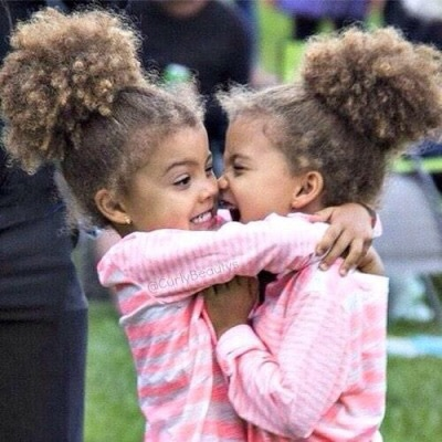 صور اطفال توائم كيوت