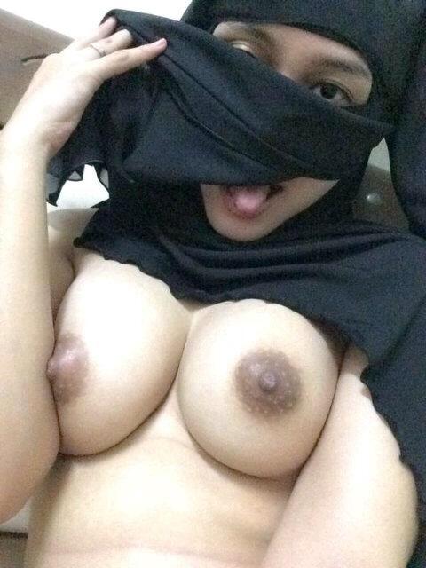 Hotties saudi sexgirls photos longstocking