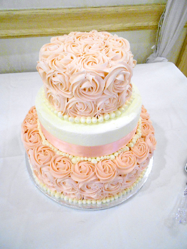 two tier wedding cakes with roses my wedding cake confessions of a confectionista 21373