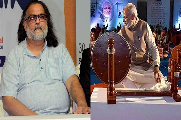 महात्मा गांधी की जगह मोदी की तस्वीर पर तुषार गाँधी नाराज