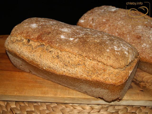 Chleb orkiszowo-pszenno-żytni na żurku
