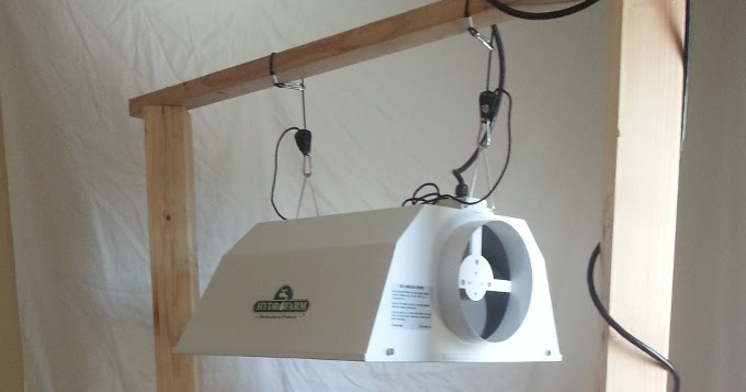 Do It Yourself Lighting: Hydroharbor: Do-It-Yourself Light Stand