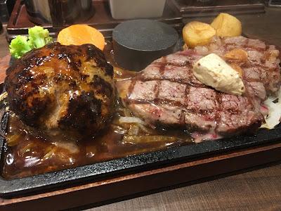 三軒茶屋にあるビッグベアのステーキとハンバーグのコンボ