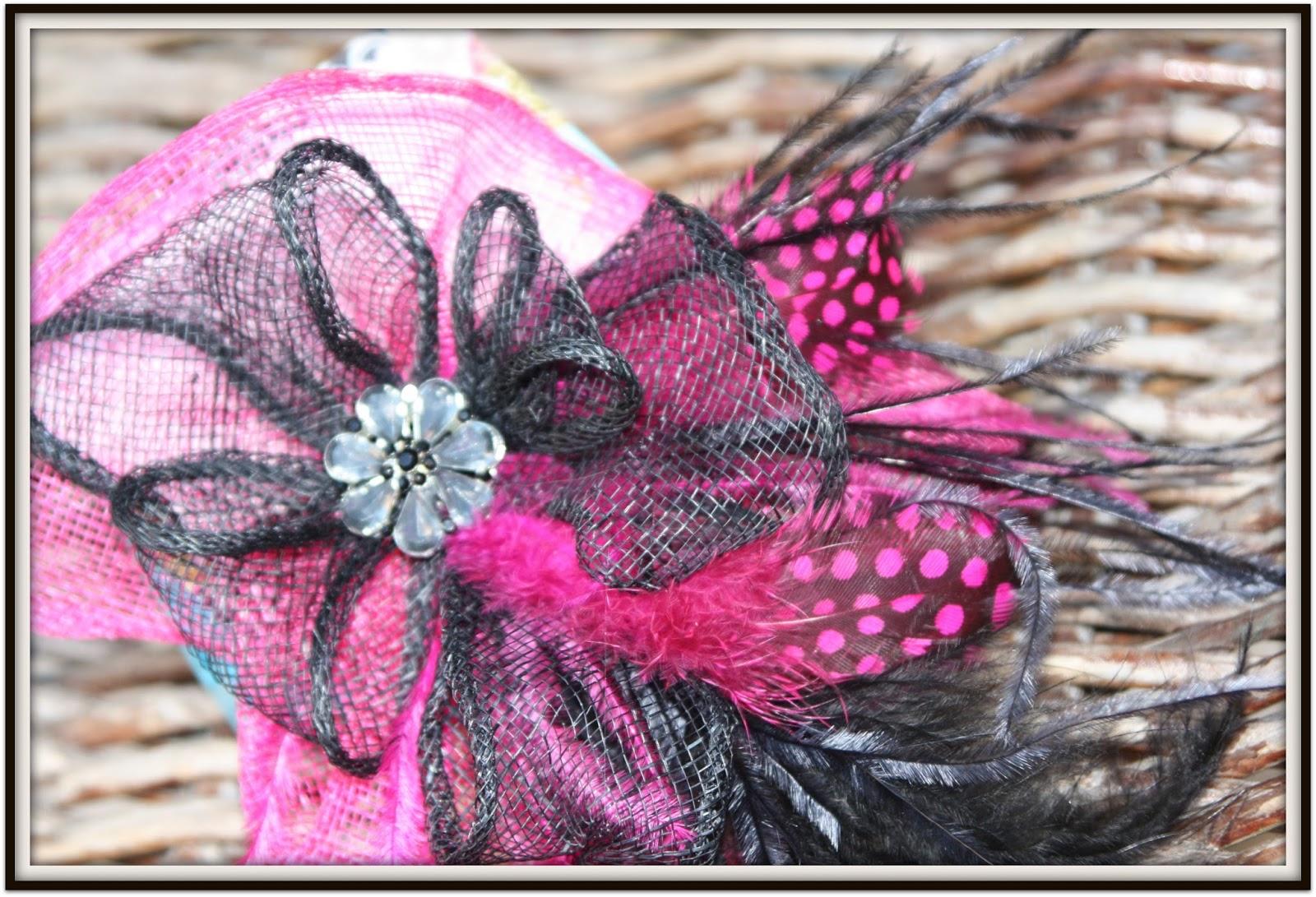 Sandunga Complementos: TOCADO: Negro y rosa fucsia combinado con ...