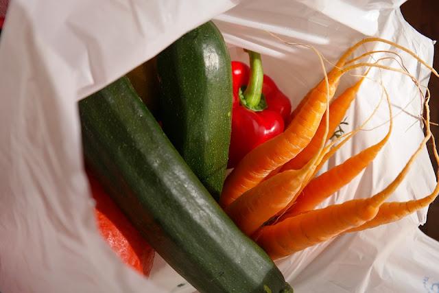 peluang bisnis, pasar tradisional, lebaran, sayuran, makanan,