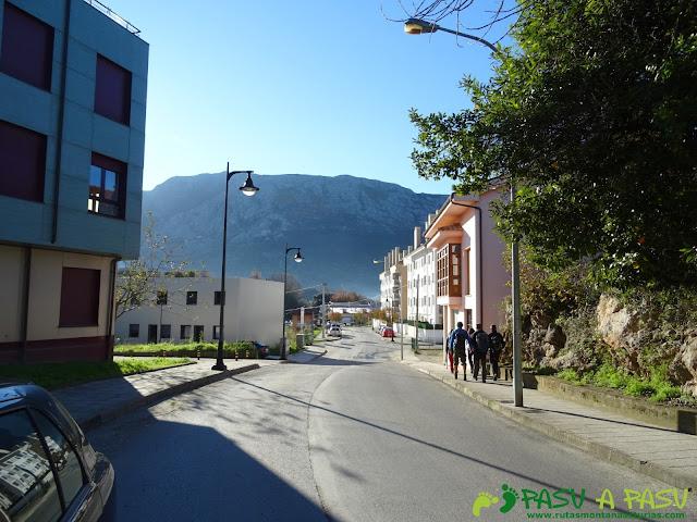 Ruta al Cerro de Llabres: Camino de Posada de Llanes a Lledías