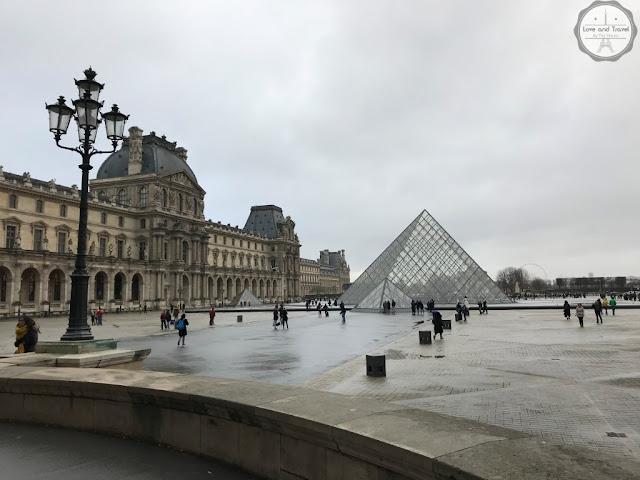 Paris, França Museu do Louvre