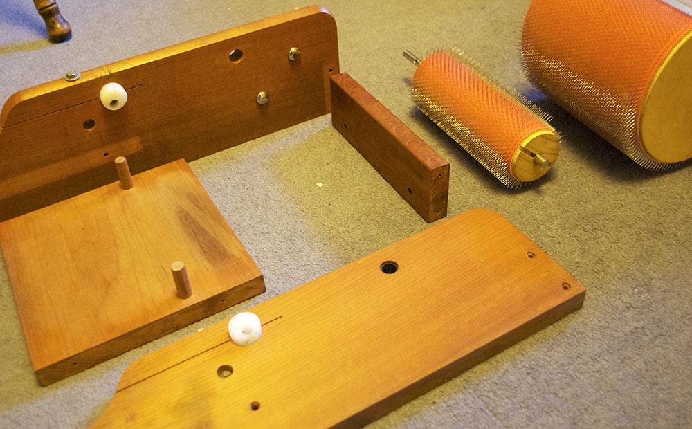 Stitchin Bints Replacing The Carding Cloth On An Ashford Drum Carder