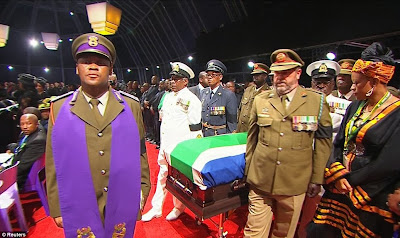 article 2523695 1A1DC16200000578 9 964x573 Photos from Nelson Mandelas funeral