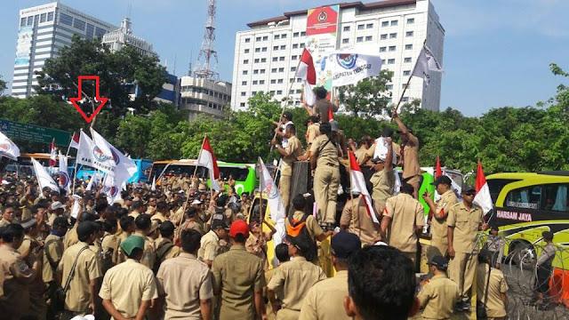 850 Perangkat Desa Kebumen ke Jakarta Menagih Janji Jokowi