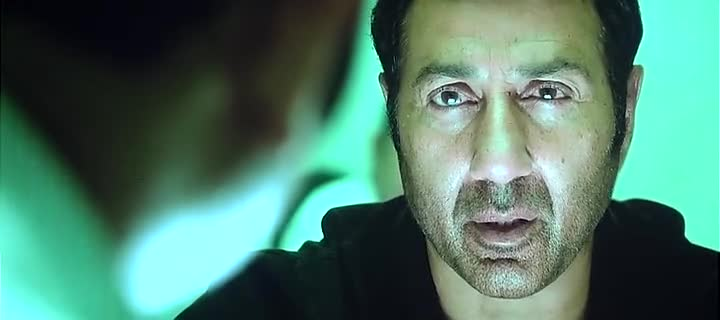 Screen Shot Of Hindi Movie Watch Online Ghayal Once Again 300MB DVDScr Full Movie Free Download