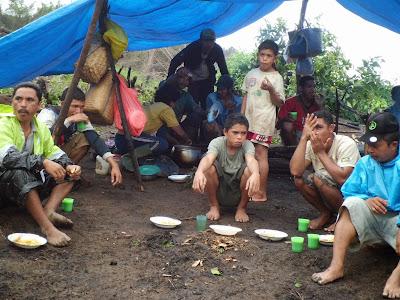 Warga Desa Nggalak Kecamatan Reok Barat Kabupaten Manggarai Provinsi NTT