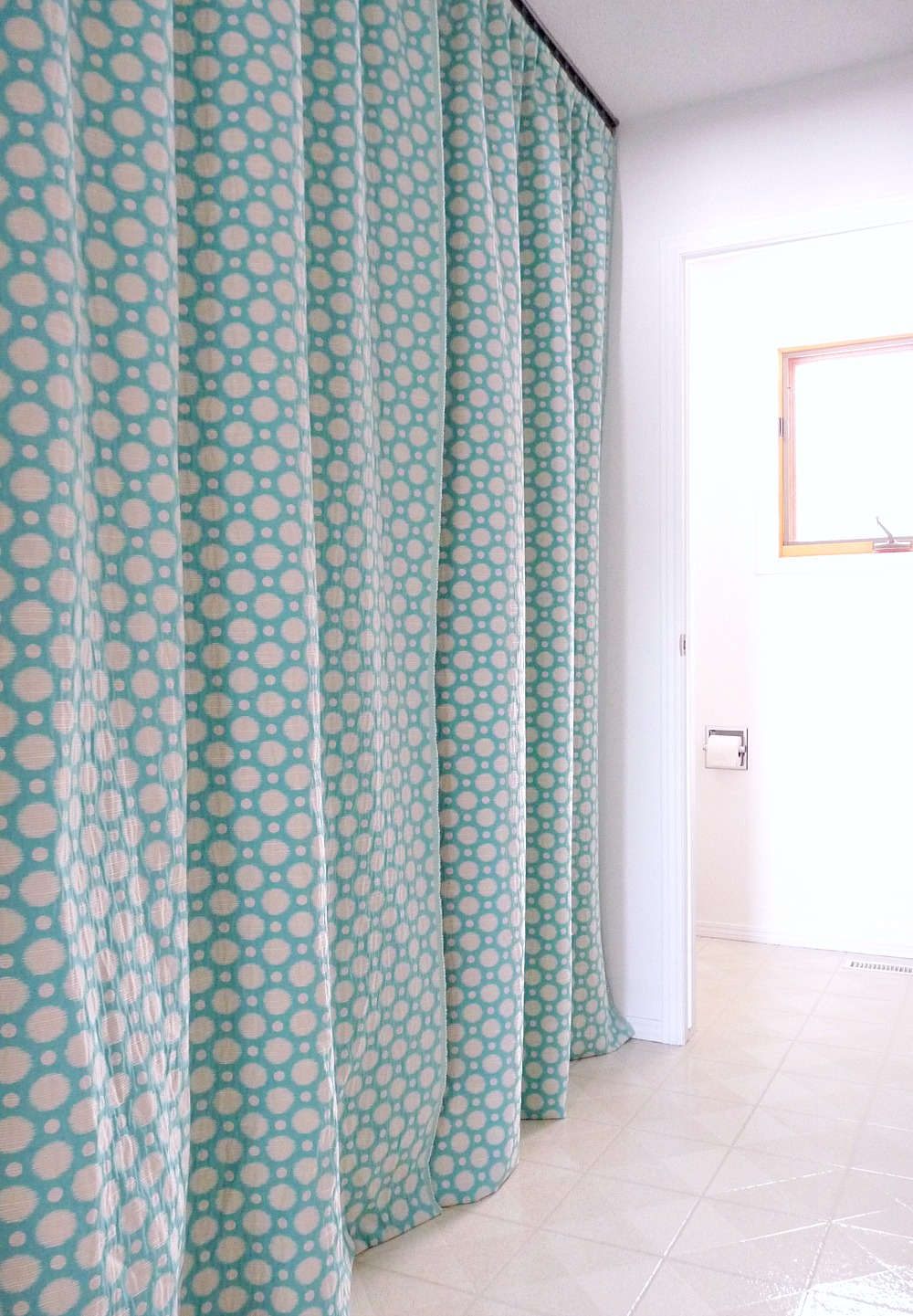 DIY Gathered Curtains | @danslelakehouse