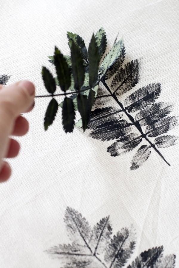Estampar tejidos con una hoja