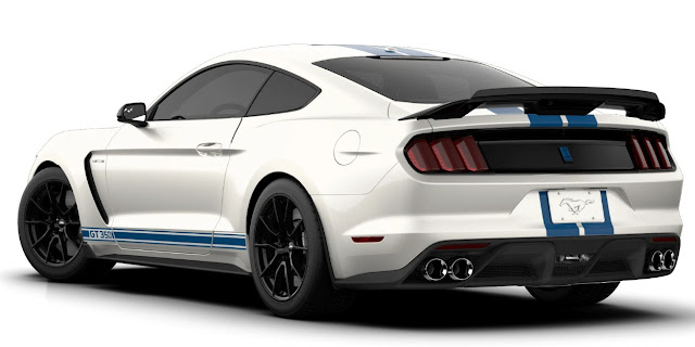 ford-gt-350-taillights-spoiler-exhaust