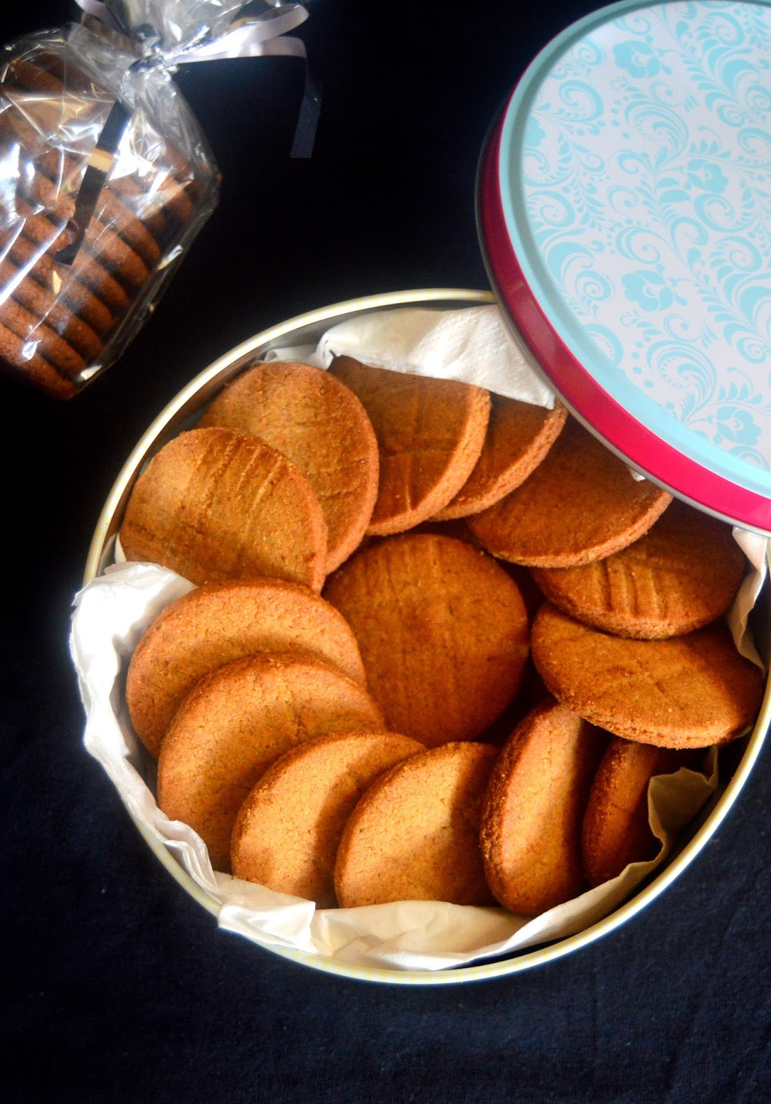Pavi's Platter: Sathumaavu Cookies / Health mix Biscuits !
