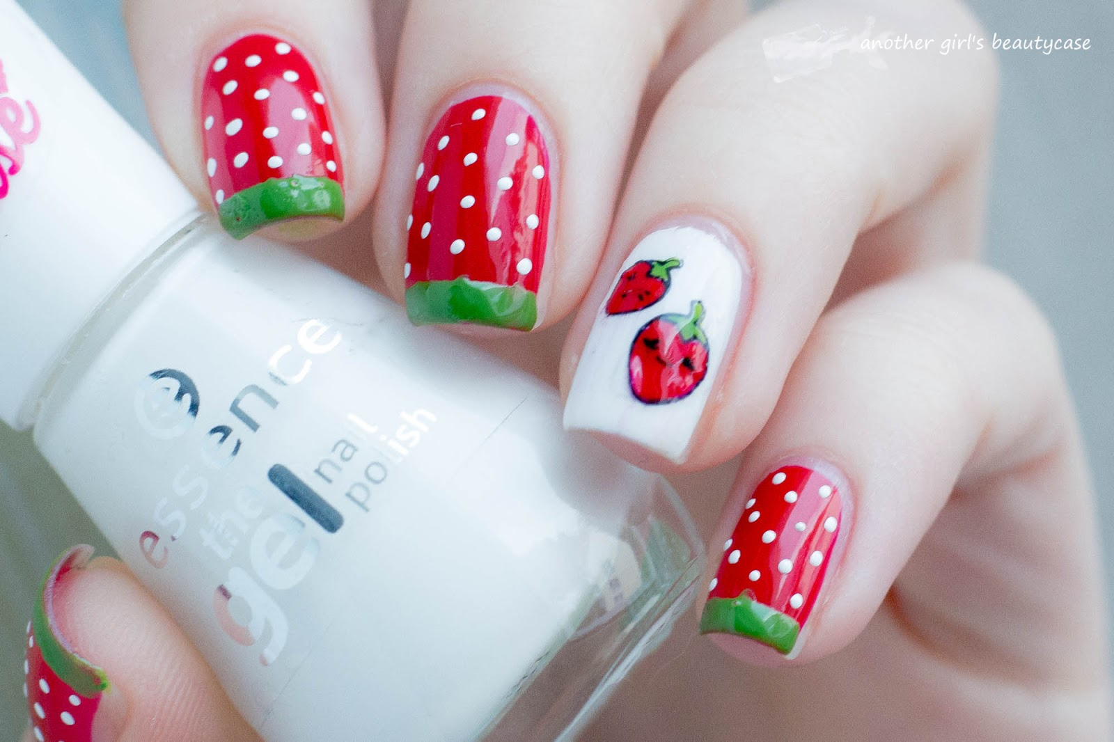 RainPow Nails: [Polkadots] Strawberry-Nails