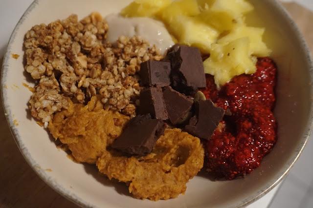 recette_recipe_sweet_potato_breakfast_bowl_patate_douce_cannelle_amande_healthy_petit_déjeuner_reequilibrage_alimentaire_sain_sucré_plant_based_01
