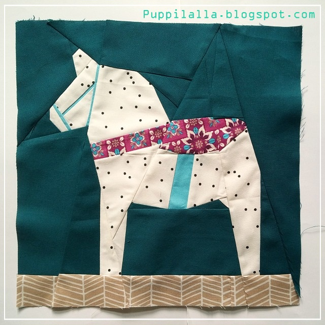 Julianna Gasiorowska, Sewing Under Rainbow, Puppilalla, Dala Horse, Paper Piecing, free quilt block,