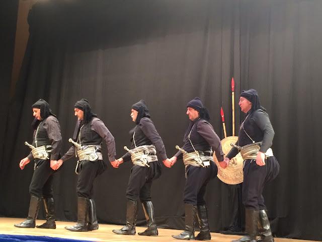 Με μεγάλη επιτυχία η παράσταση «Πύρριχος» στη Στέγη Ποντιακού Πολιτισμού (Φωτο)