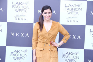 Mannara Chopra Photos at Lakme Fashion Week 2019.