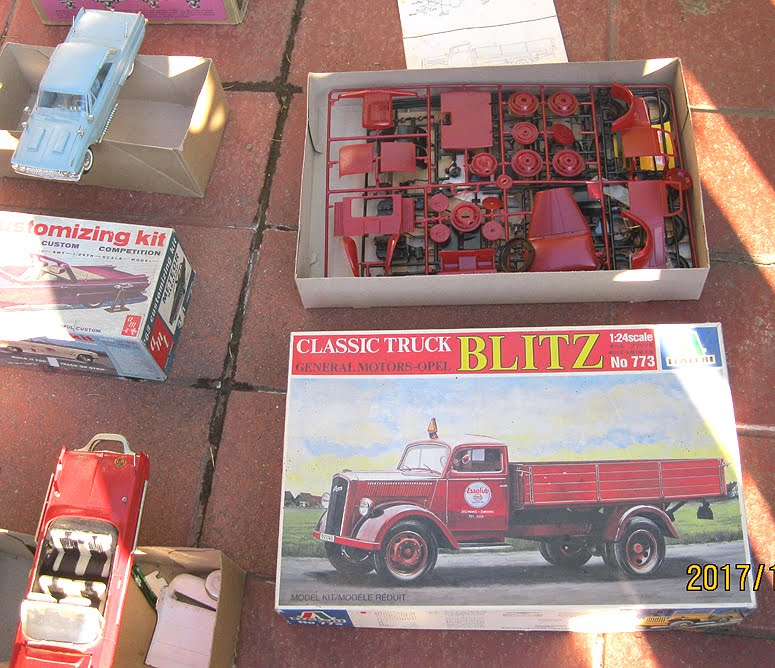 For Sale! Vintage model-car assembly kits. Budapest