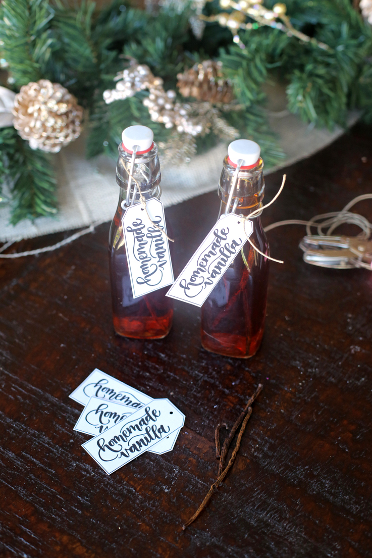 You can't believe how easy it is to make your own vanilla! The perfect neighbor or teacher gift for the holidays, plus download these cute free tags.