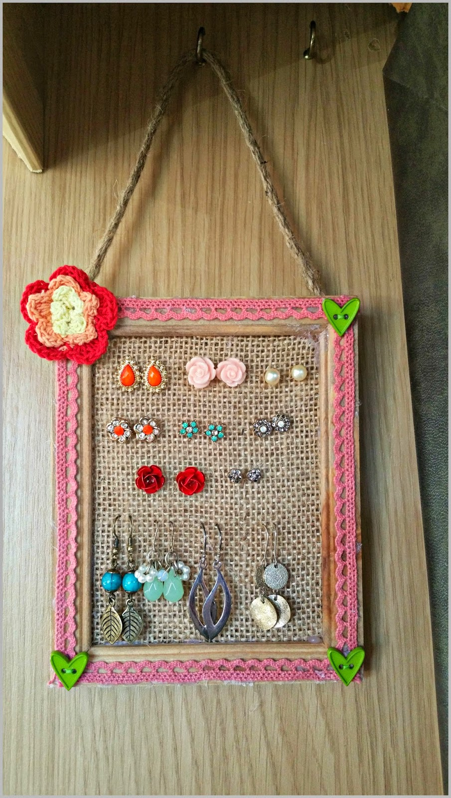 The Tales of Me: Earring Organiser