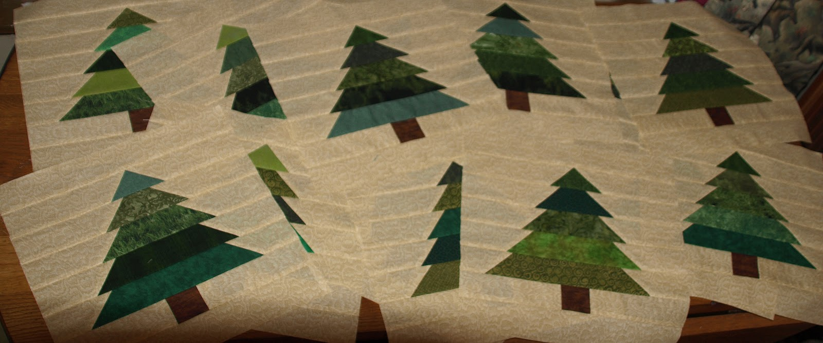 Lovin' Life At The End Of The Dirt Road: A Forest of Trees in the ... : pine tree quilt block - Adamdwight.com