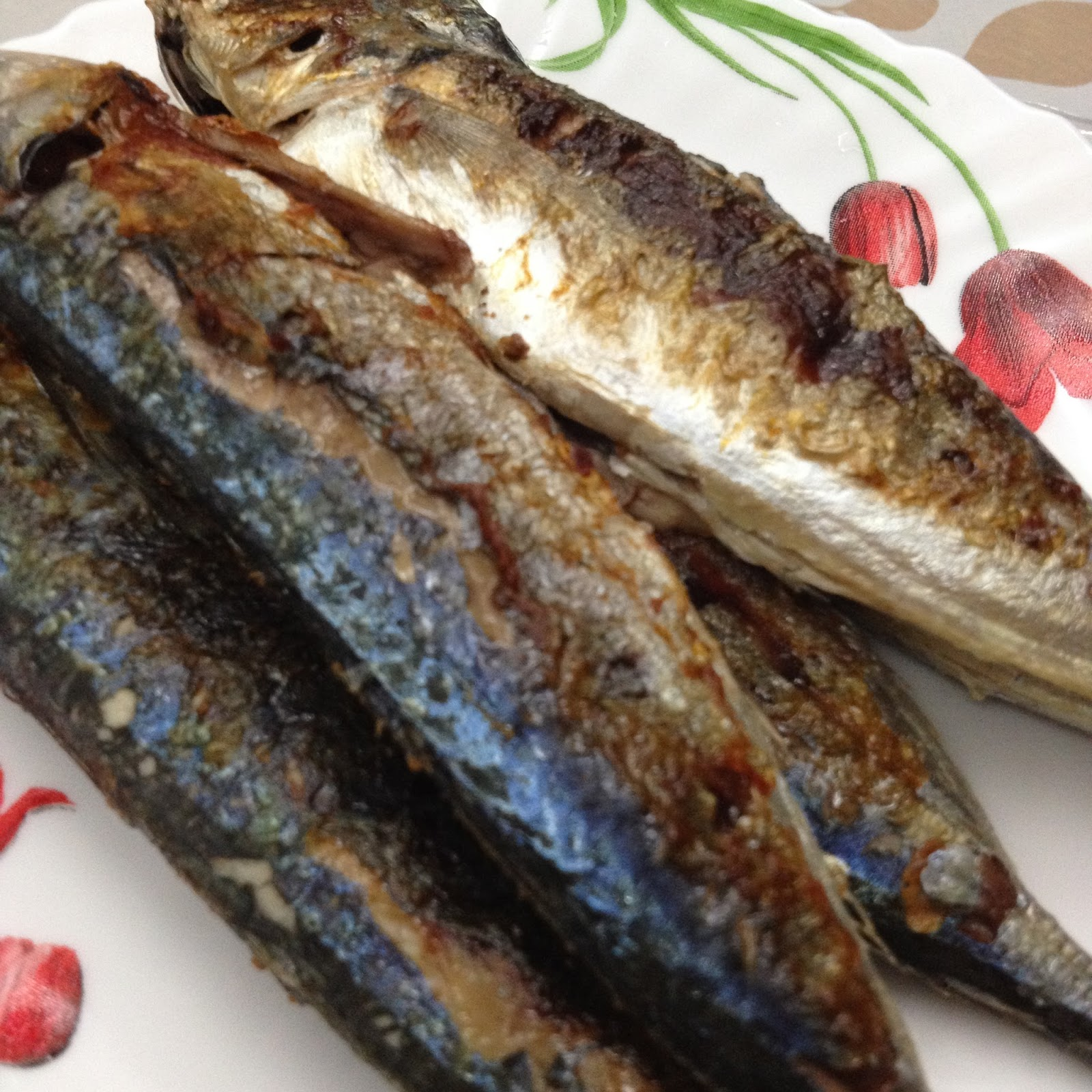 Selayang Ikan Dan Ikan Sardin Beza: Cik Wan Kitchen: Ikan Bakar Air Asam