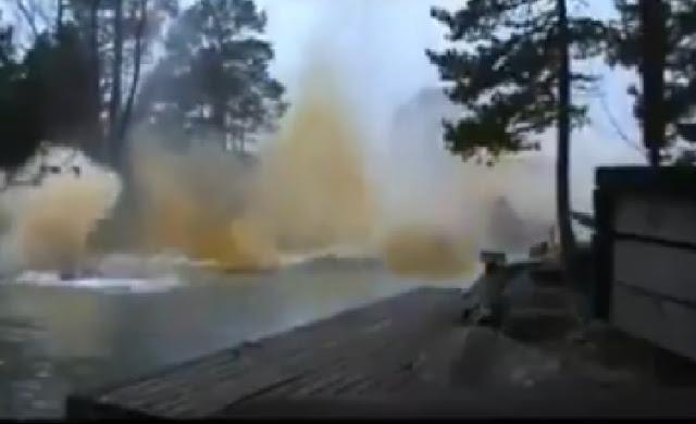 Απίστευτος κεραυνός χτυπά παραπλεύρως ποτάμι! Αλήθεια αυτό η NASA πως το εξηγεί... ;;;