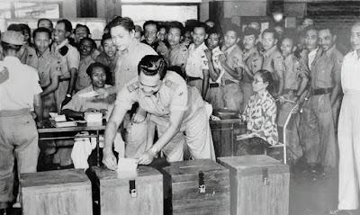 Pelaksanaan Demokrasi di Indonesia Era Orde Lama