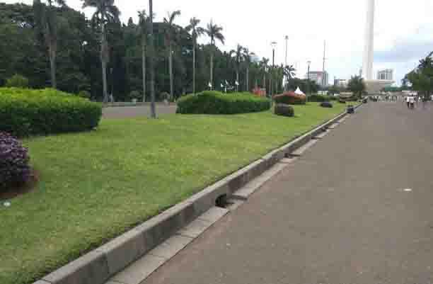 Harus Dicontoh, Ditinggal Massa Reuni 212, Lapangan Monas Tetap Kinclong
