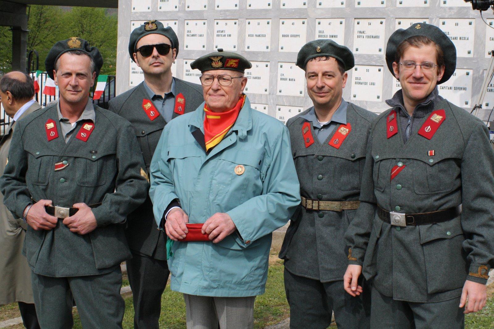 Divisione Fanteria di Marina San Marco  I veterani della Divisione ... b95aacd242fd