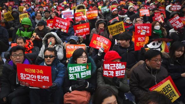 Continúan protestas contra presidenta Park en Corea del Sur