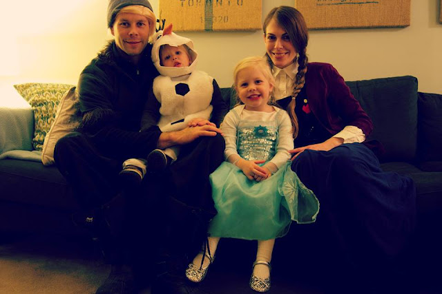 Family Costume 2014. Frozen, Of Course! Kristoff, Olaf, Elsa and Anna.
