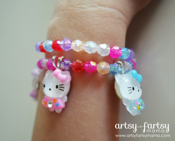 DIY Hello Kitty Bracelet at artsyfartsymama.com