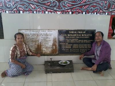 R Br. Manalu dan H.A Manurung