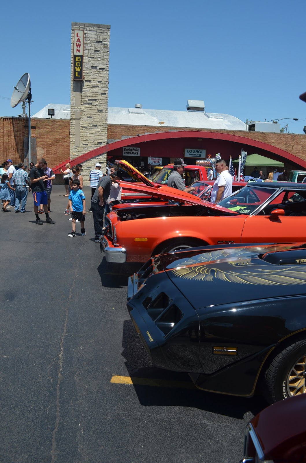 Southwest Chicago Post: Car Show Brings \'Cool\' to West Lawn