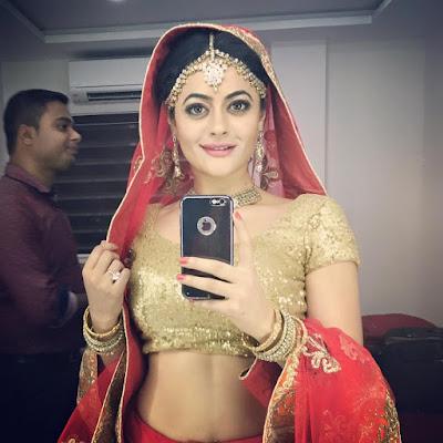 Shruti Sodhi selfie