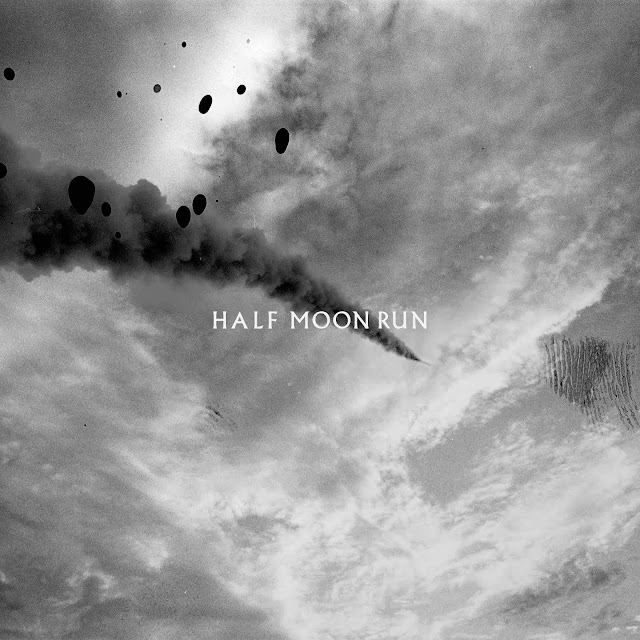 "Half Moon Run sortira l'album ""Blemish In The Great Light"" le 1er novembre."