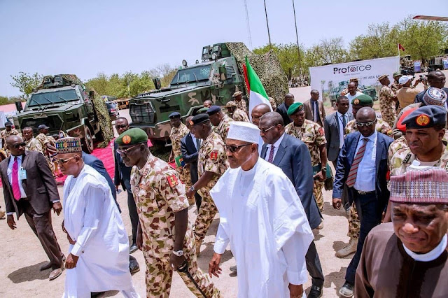 President Buhari with army chiefs in Maiduguri